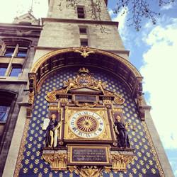 Часы Парижа